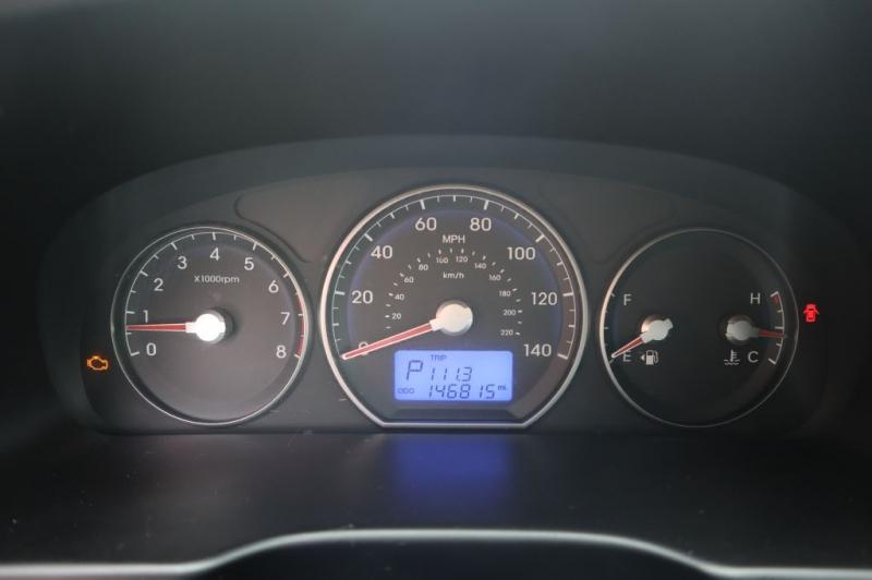 HYUNDAI SANTA FE 2011 price $7,995