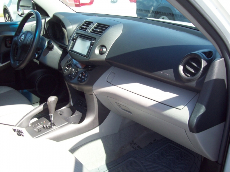 TOYOTA RAV4 2012 price $12,490