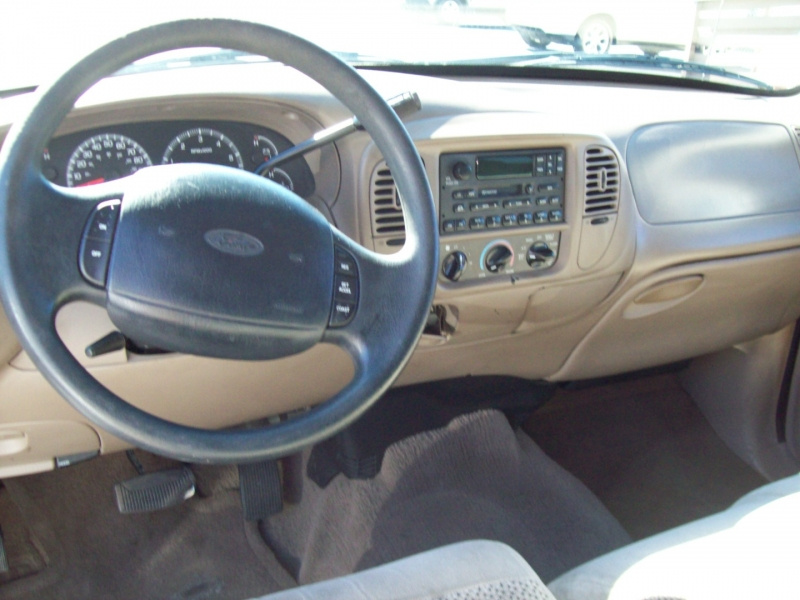 FORD F150 2001 price $7,990