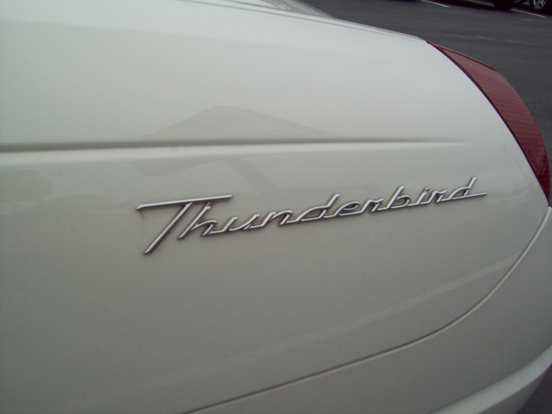 FORD THUNDERBIRD 2003 price $14,890