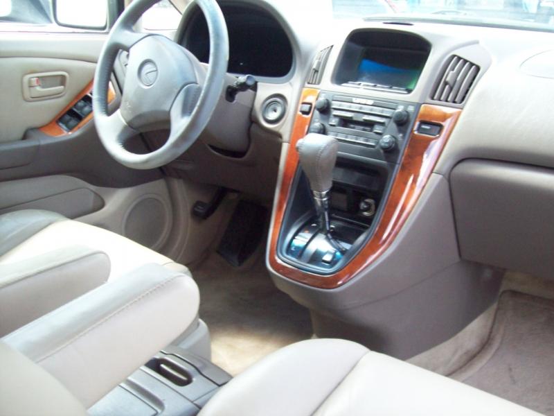LEXUS RX 300 2000 price $5,990