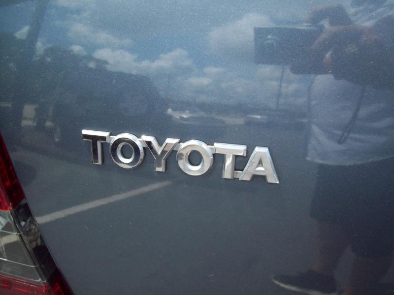 TOYOTA HIGHLANDER 2004 price $9,990