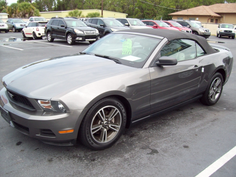 FORD MUSTANG 2010 price $9,990