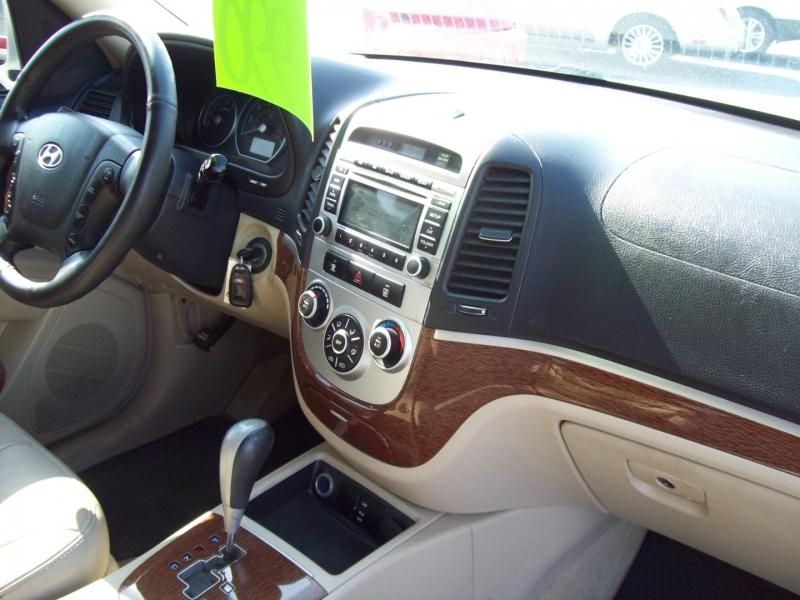 HYUNDAI SANTA FE 2009 price $7,990