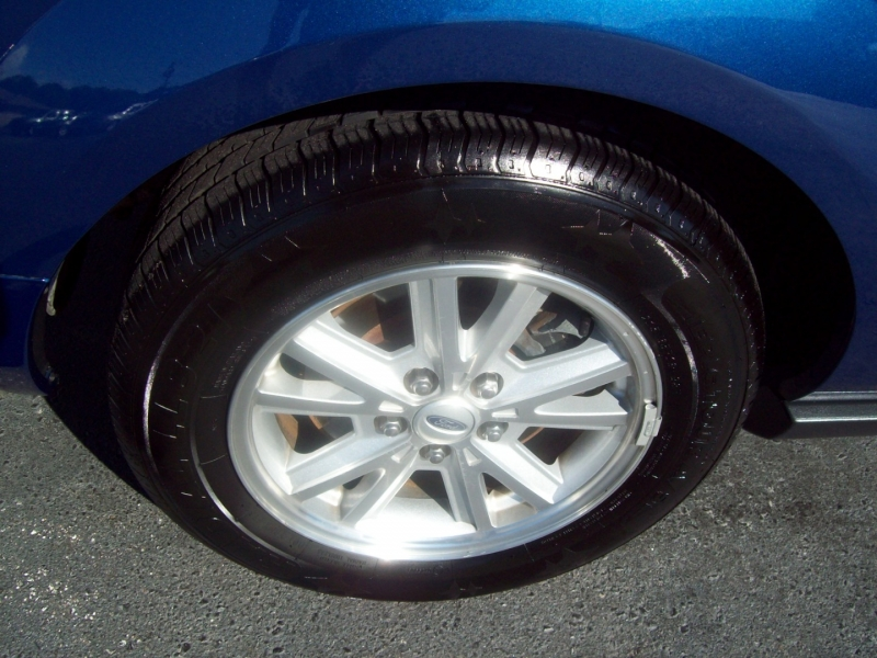 FORD MUSTANG 2007 price $11,990