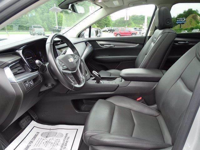 Cadillac XT5 2019 price $31,719