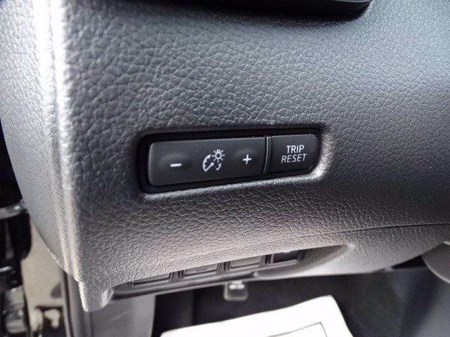 Nissan Rogue 2019 price $18,788