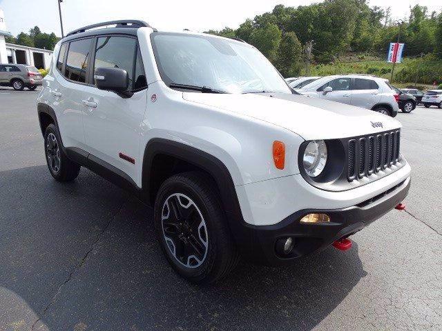 Jeep Renegade 2016 price $17,020