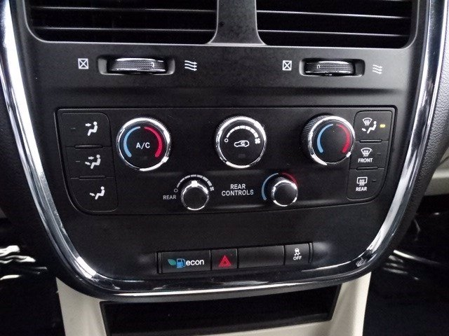 Dodge Grand Caravan 2019 price $18,990