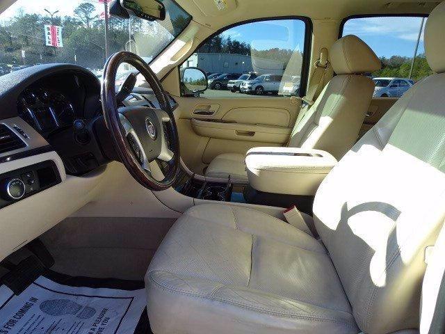 Cadillac Escalade 2007 price $14,998