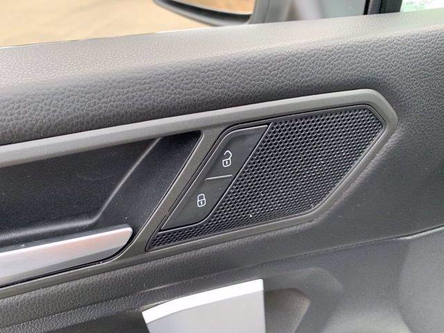 Volkswagen Tiguan 2020 price $23,998