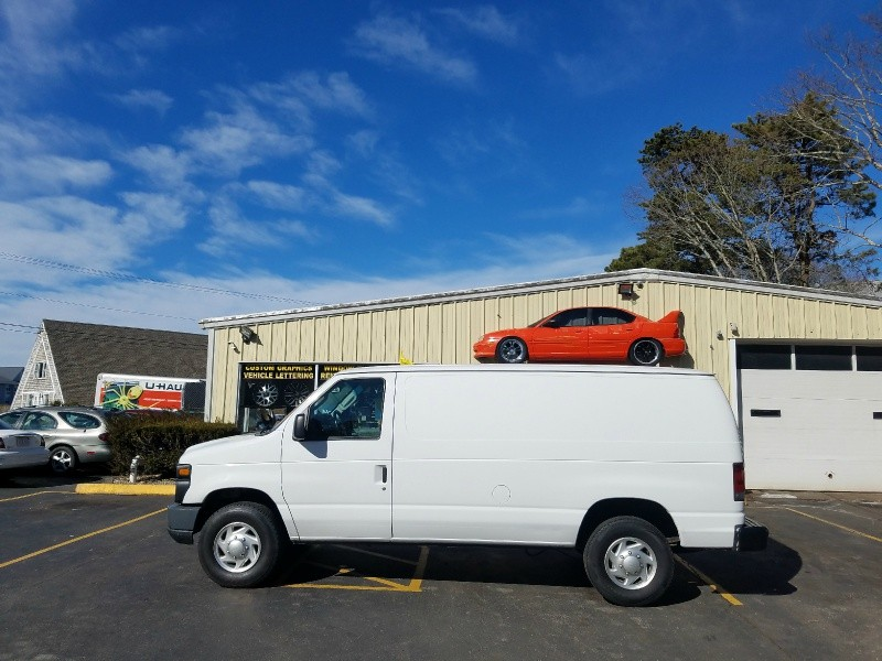 Ford Econoline Cargo Van 2011 price $8,995