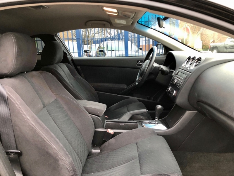 Nissan Altima 2011 price $7,900