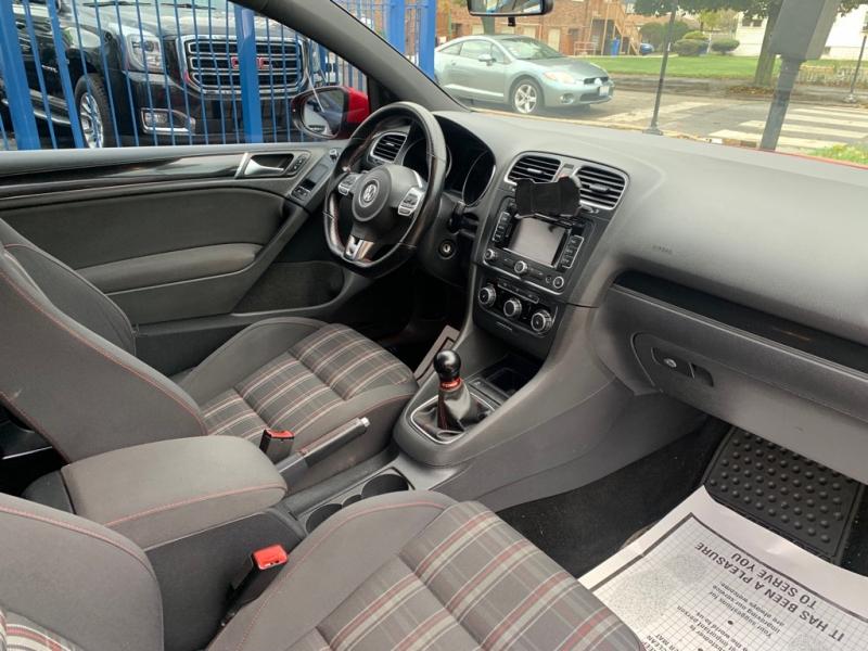 Volkswagen Golf GTI 2011 price $10,900