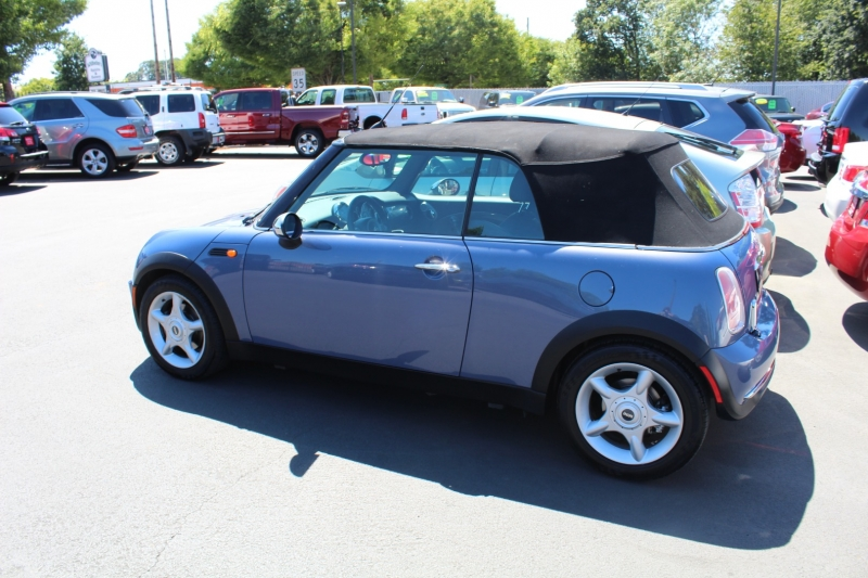 Mini Cooper Convertible 2005 price $7,999