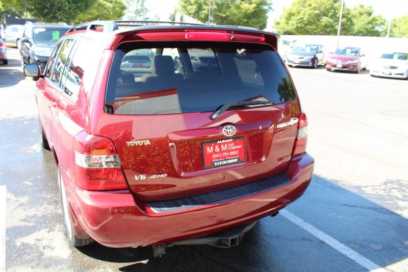 Toyota Highlander 2005 price $8,999