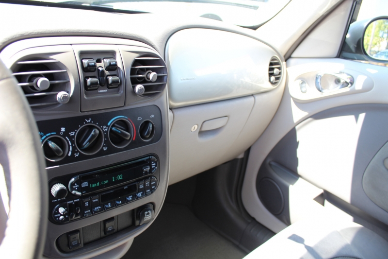 Chrysler PT Cruiser 2002 price $4,999