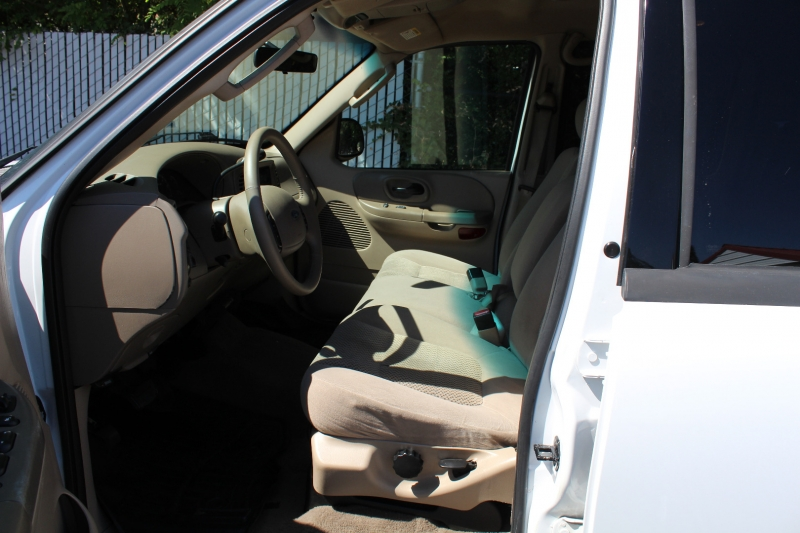 Ford F-150 2003 price $6,399
