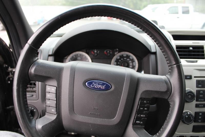 Ford Escape 2009 price $8,999
