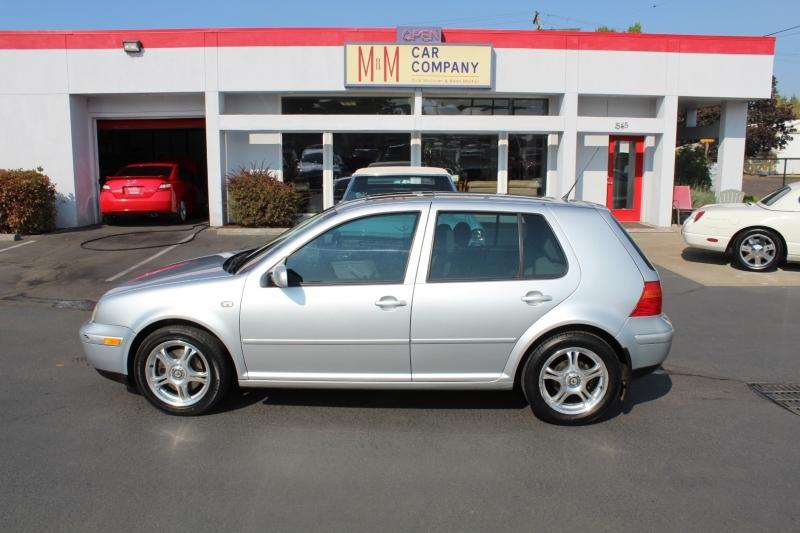 Volkswagen Golf 2001 price $3,999