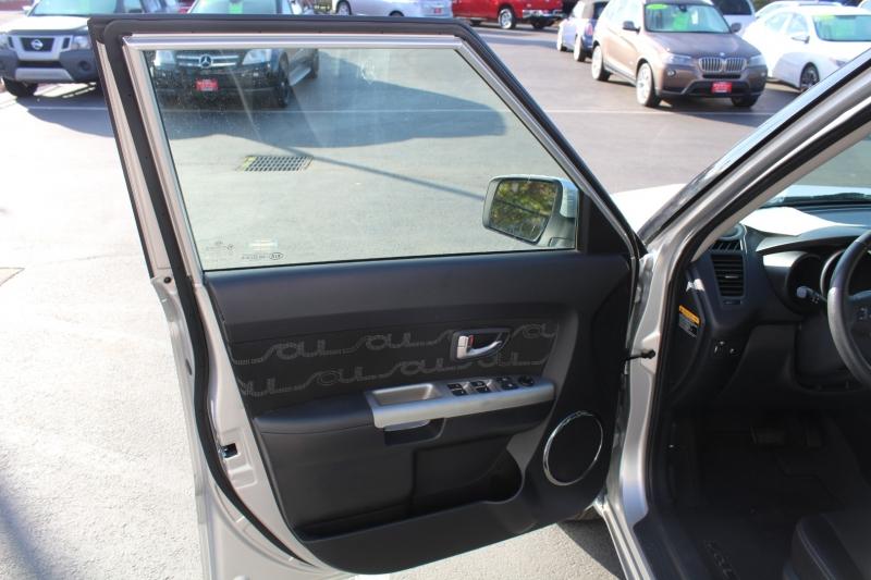 Kia Soul 2012 price $7,999
