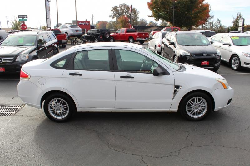 Ford Focus 2008 price $4,999