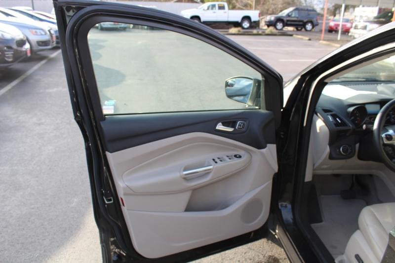 Ford Escape 2015 price $13,499
