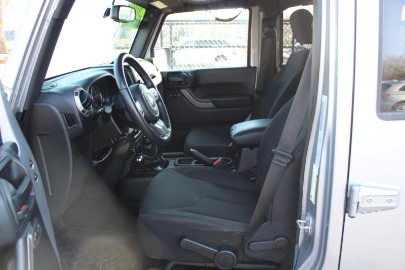 Jeep Wrangler Unlimited 2016 price $30,999