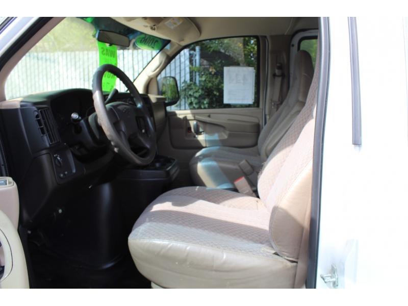 Chevrolet Express Cargo Van 2006 price $6,900