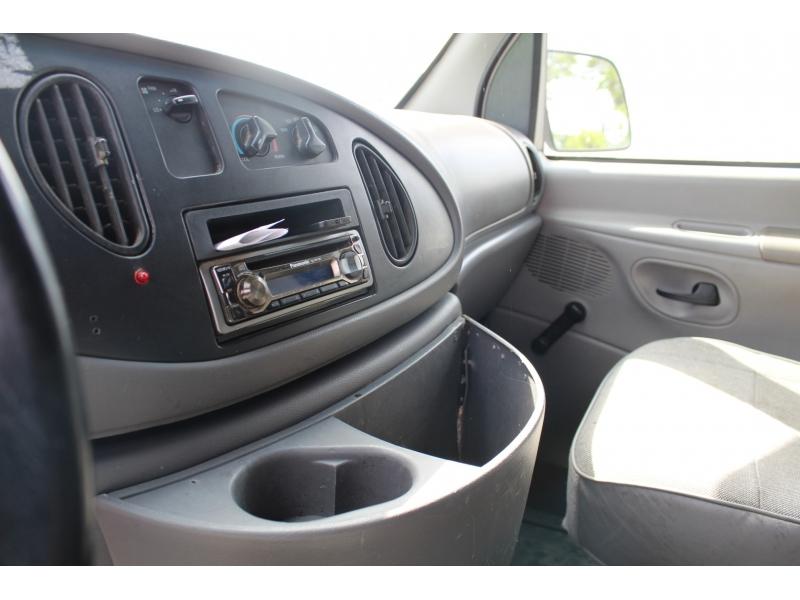 Ford Econoline Cargo Van 1999 price $5,999