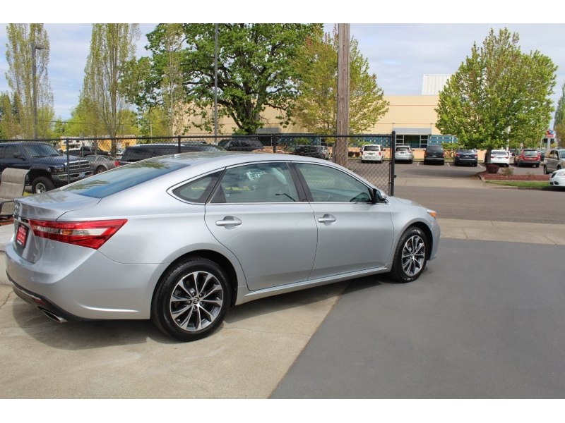 Toyota Avalon 2016 price $20,999