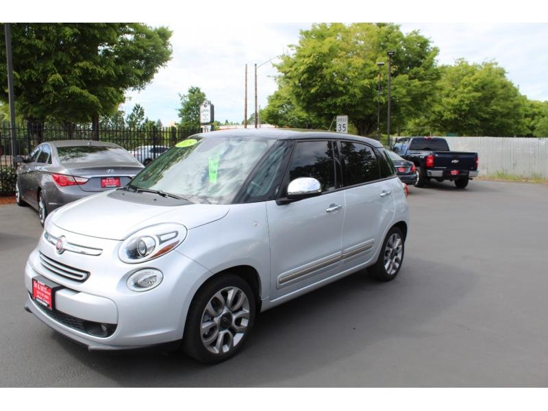 Fiat 500L 2015 price $11,999