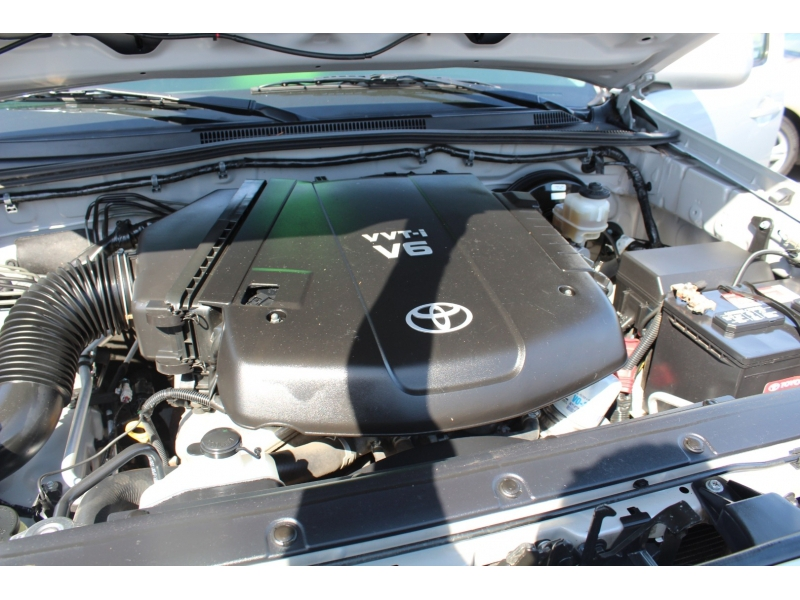 Toyota Tacoma 2010 price $20,999
