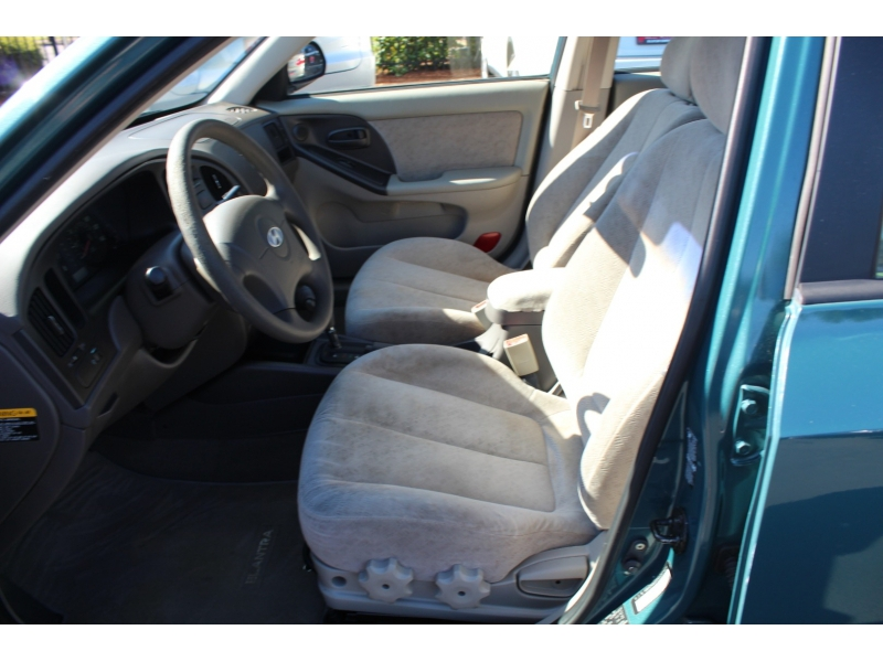Hyundai Elantra 2006 price $6,499