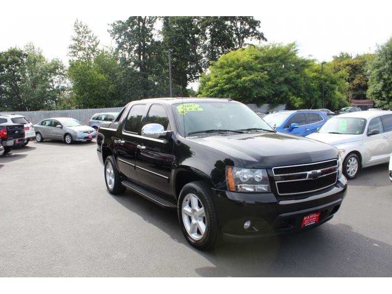 Chevrolet Avalanche 2007 price $17,999