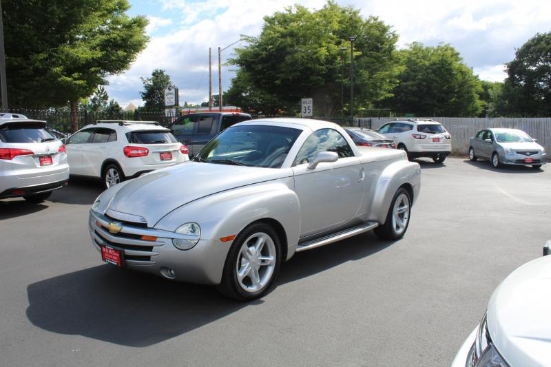 Chevrolet SSR 2004 price $24,999