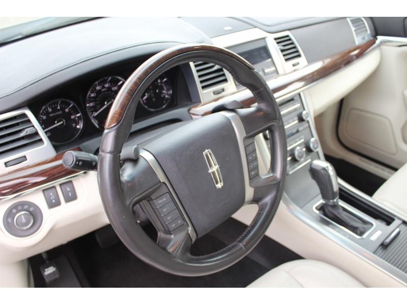 Lincoln MKS 2010 price $9,999