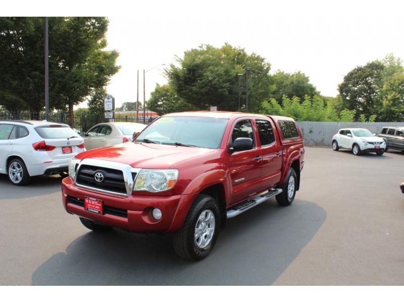Toyota Tacoma 2005 price $15,999