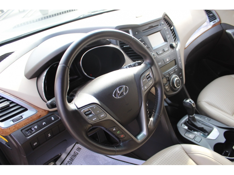 Hyundai Santa Fe 2013 price $14,999
