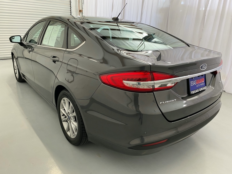 Ford Fusion 2017 price $15,495