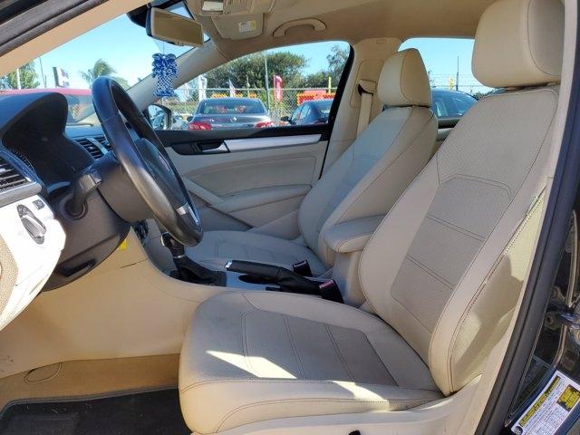 Volkswagen Passat 2013 price $7,067
