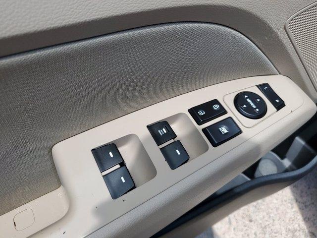 Hyundai Elantra 2017 price $12,525