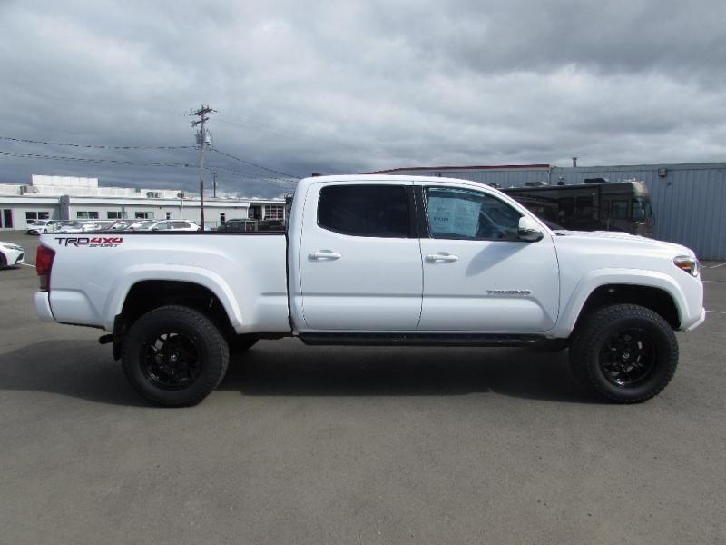 Toyota Tacoma 2017 price $37,999