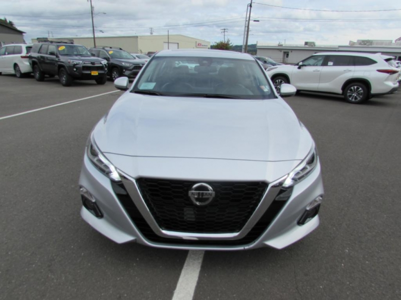 Nissan Altima 2020 price $23,999