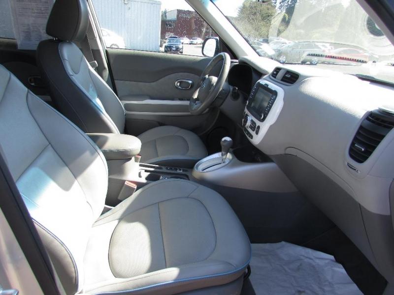 Kia Soul EV 2016 price $11,999