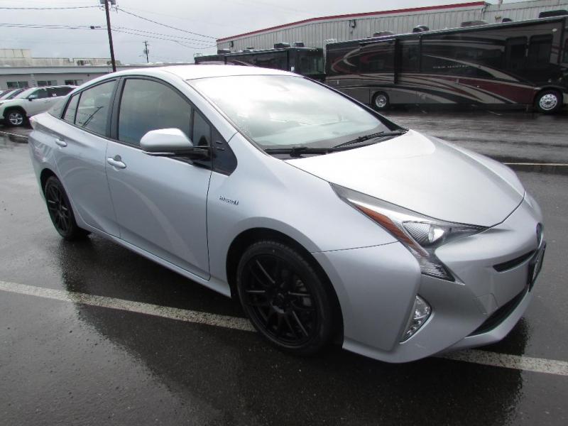 Toyota Prius 2016 price $14,999