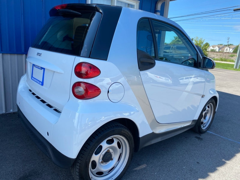 Smart fortwo 2013 price $5,948