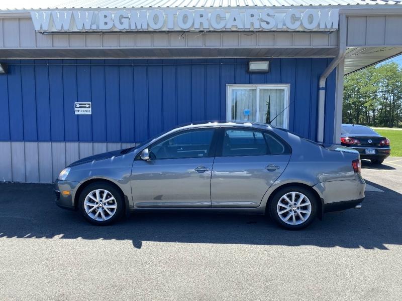 Volkswagen Jetta Sedan 2010 price $4,499