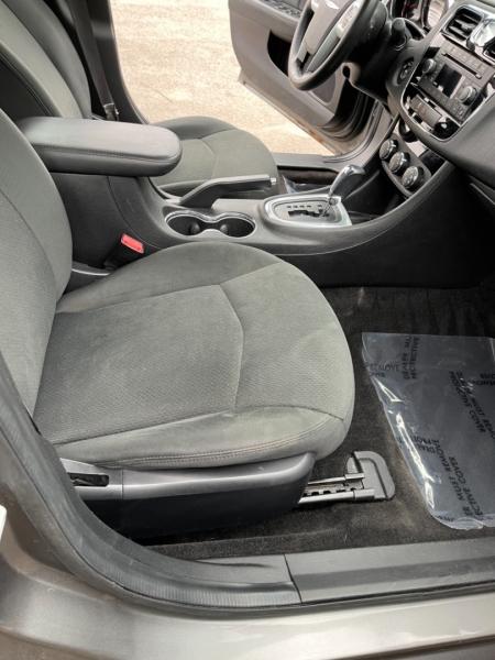 Chrysler 200 2012 price $5,498