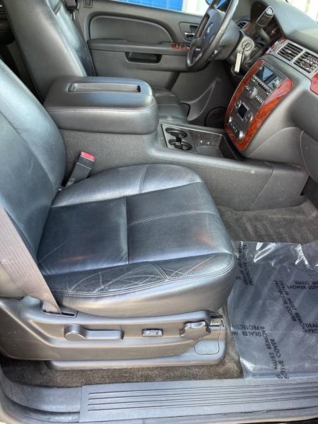 Chevrolet Suburban 2012 price $15,498